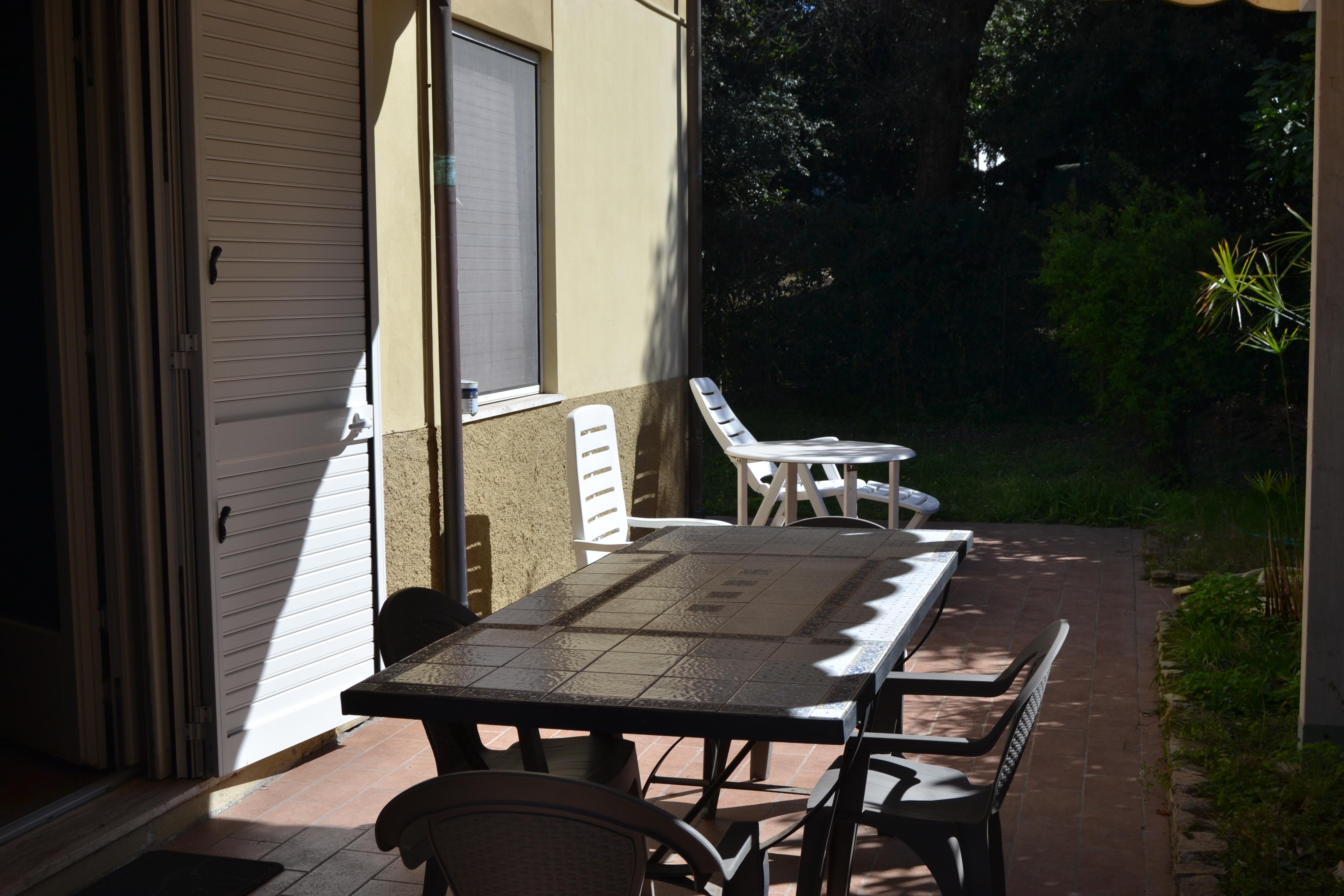 Casa Vacanze a Tirrenia con due camere. Rif.A.55