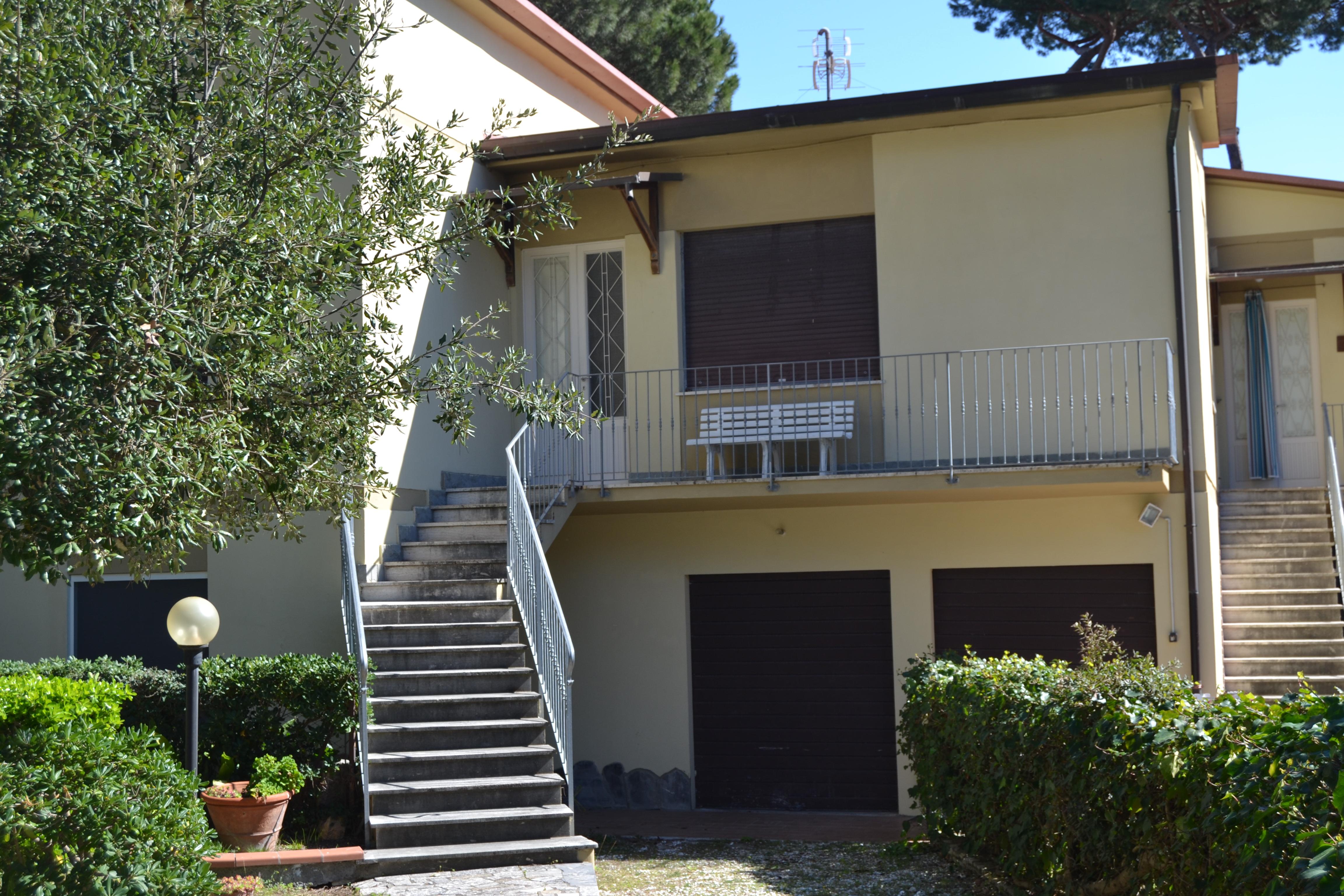 Villa affitto vacanze al mare a Tirrenia. Rif.A.50